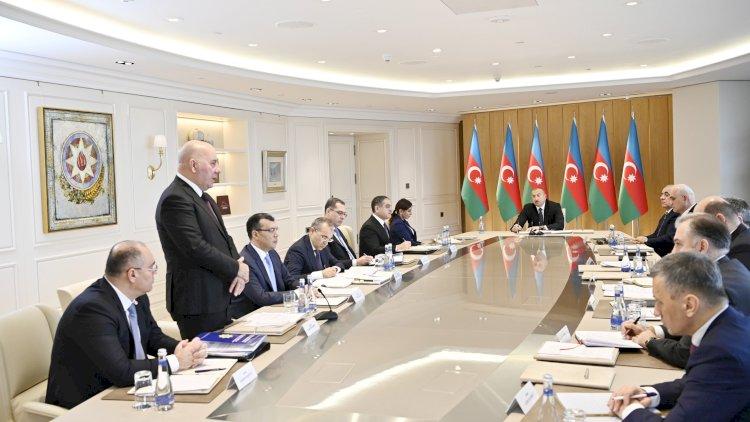 Prezident Elman Rüstəmovu sorğu-suala tutdu