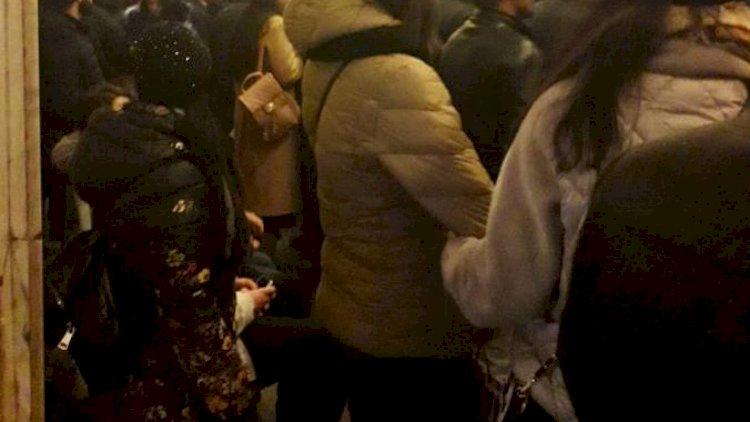 Bakı metrosunda nasazlıq - Sıxlıq yarandı